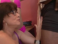 Mature slut and young hottie share one black cock
