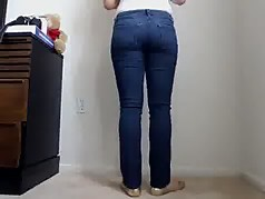 Milf in tight Jeans 2