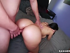 Sheila Marie gives her ass to fuck