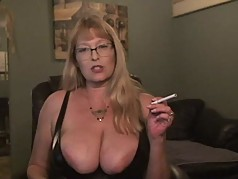 MILF Honeypots smoking with juicy squirts