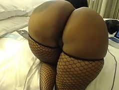 Ebony milf with a huge ass playing on cam