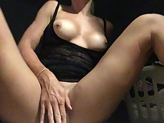 Milf gets off solo