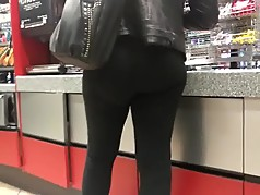 Bubble booty milf in black pants
