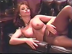MILF Vida Garman fingering