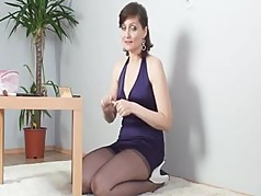 Kirsty Blue Prepares For The Party