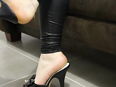 hot milf shoeplay