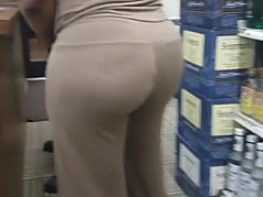 Mature HoodRat At Liquor Store W Bubble Ass